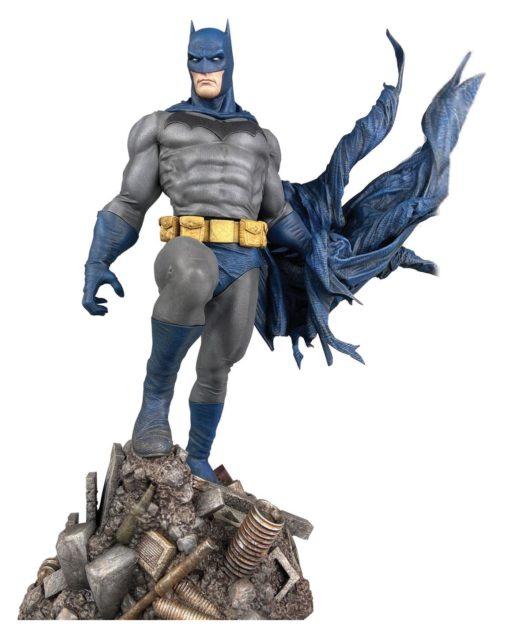 DC Comic Gallery PVC Statue Batman Defiant 25 cm